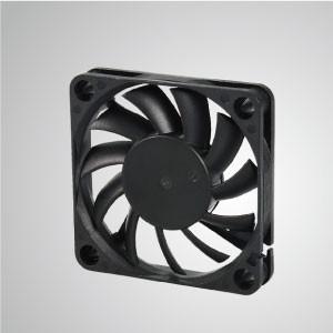 Ventilador de refrigeración de CC con serie de 60 mm x 60 mm x 10 mm - TITAN- Ventilador de enfriamiento de CC con ventilador de 60 mm x 60 mm x 10 mm, proporciona tipos versátiles para las necesidades del usuario.