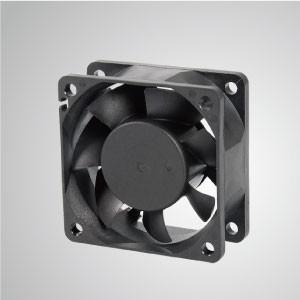 Ventilador de refrigeración de CC con serie de 60 mm x 60 mm x 25 mm - TITAN- Ventilador de enfriamiento de CC con ventilador de 60 mm x 60 mm x 25 mm, proporciona tipos versátiles para las necesidades del usuario.