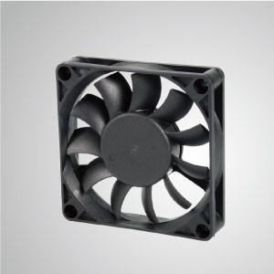 Ventilador de refrigeración de CC con serie de 70 mm x 70 mm x 15 mm - TITAN- Ventilador de enfriamiento de CC con ventilador de 70 mm x 70 mm x 15 mm, proporciona tipos versátiles para las necesidades del usuario.