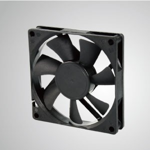 80mm x 80mm x15mmシリーズのDC冷却ファン