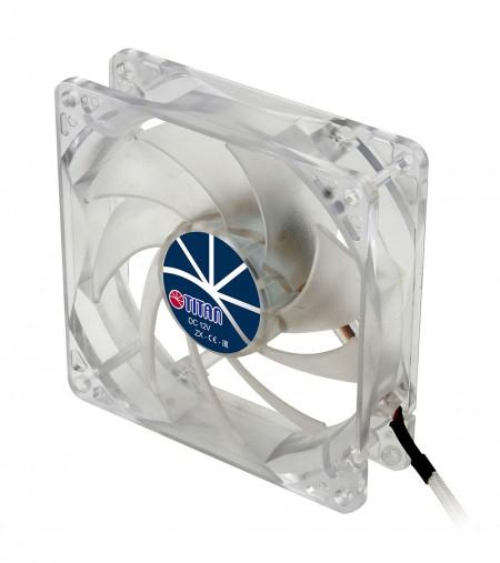 Mit transparentem Rahmen und leisem 92-mm-Lüfter für eine funkelnde, aber flache Kühlleistung.
