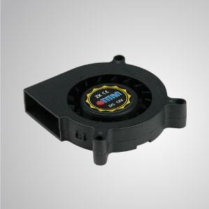 Ventilador de enfriamiento del ventilador del sistema de CC: serie de 60 mm x 15 mm - TITAN- El ventilador de enfriamiento del ventilador del sistema DC con ventilador de 60 mm proporciona tipos de velocidad versátiles para satisfacer las necesidades del usuario.