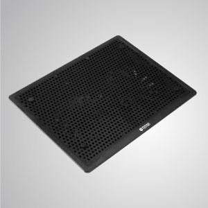 5V DC 直流10-15吋筆記型電腦散熱墊 附USB孔 - 搭載2個140mm的大風量風扇與細緻沖孔散熱面,提供強效氣流,擁有卓越的散熱效果。