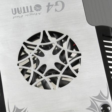 Aus hochwertigem Aluminium mit schönem Hairline-Finish