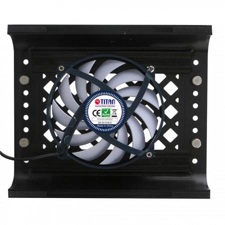 مروحة مدمجة بحجم 90 ملم لإخراج الحرارة ، مما يقلل درجة حرارة جهازك بشكل فعال.