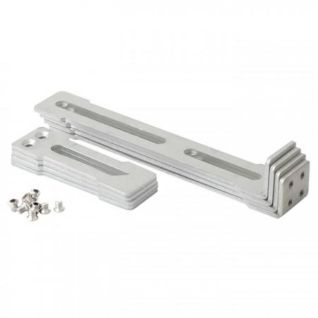 Clip de rack ajustable con rieles de construcción para adaptarse a diferentes necesidades de instalación.