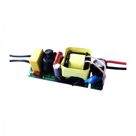 3 ~ 8W 3KVac Isolation PFC LED Ampoules Pilotes - Pilotes d'ampoules LED PFC d'isolement 3 ~ 8W 3KVac (série LB8A)