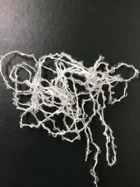 かさばった糸と毛布