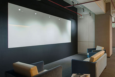 Área aberta do escritório da Fametech (TYSSO)