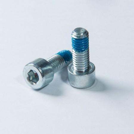 Vite a testa esagonale interna - Vite a testa esagonale interna con filettatura a macchina, zinco trivalente placcato in cromo sulla superficie e Nylok blu sulla filettatura
