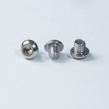 Skruv i rostfritt knapphuvud - Knapphuvud Hex Rec -skruv med maskintråd, passivering på skruvens yta