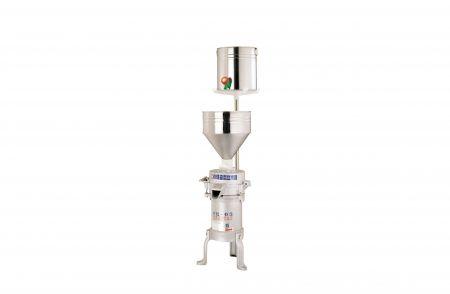 磨豆米機 - 多功能高速磨豆米機FE-05,此款機械產能偏小,每小時約可研磨20~50公斤的黃豆,適合一般家庭節慶製作糕點、小型攤販 (菜市場、華人早市)、餐廳使用。