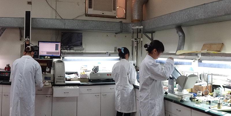 Papel Ahumado Laboratorios y equipos de I + D.