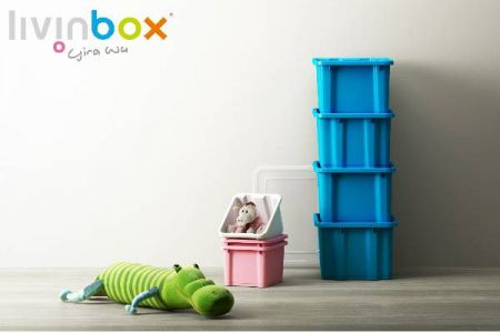 Stackable storage bin for saving space