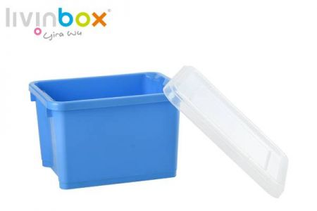 Large stackable and nesting storage bin with lid, 28L