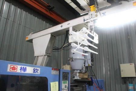 Automatic injection machine