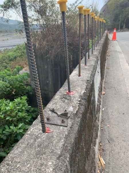 Chemická kotevní pryskyřice pro výztuž ke zvýšení výšky stěny