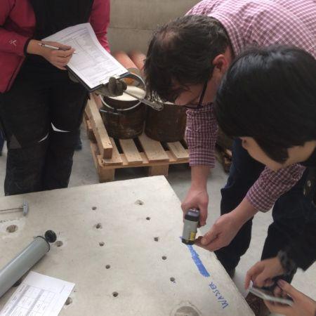 Neo kiểm tra nhiệt độ bê tông