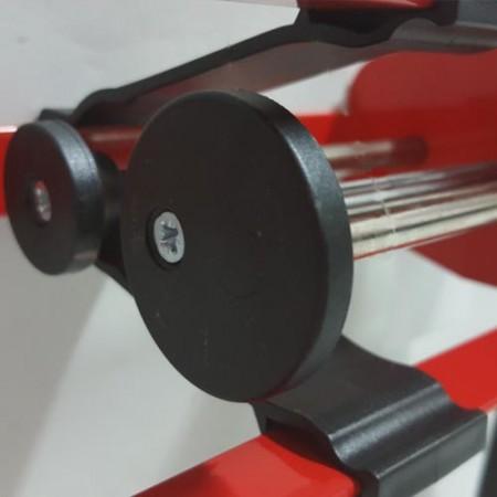 Two component adjustable screw thrust gaps caulk gun