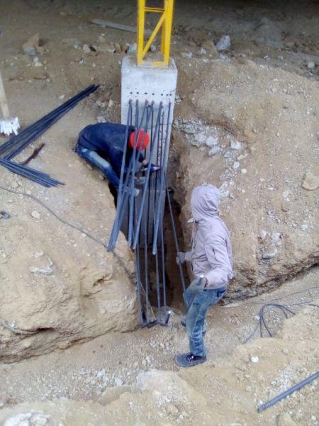 Tassello per armature in pilastro di cemento per rinforzo