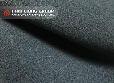 Hyper-Stretch-Wetsuit-Material mit weichem und weichem Griffgefühl.