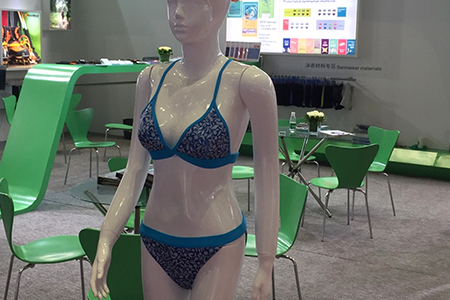 Swimwear foam material with fashion design and low water absorption function