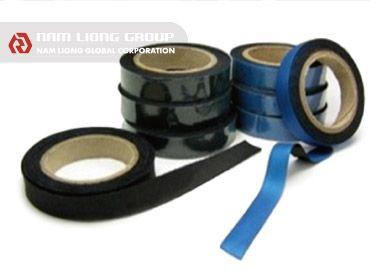 Pita Pakaian Selam - Pita pakaian selam adalah pita penyegel jahitan yang digunakan pada pakaian selam.