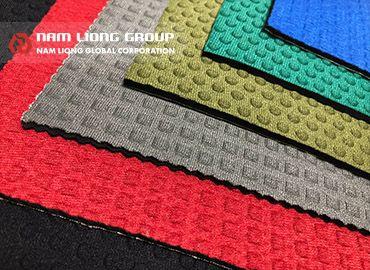 壓紋處理之橡膠海綿 - Neoprene橡膠海綿經壓紋處理可增強表面強度及止滑效果。