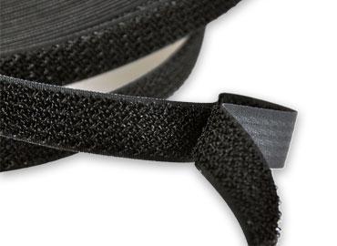 鉤毛同體黏扣帶 - 鉤毛同體粘扣帶,以特殊織法鉤面及毛面織於同一面。