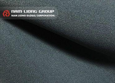 Chất liệu vải thun siêu căng - Chất liệu wetsuit siêu co giãn tạo cảm giác êm tay và mềm mại.