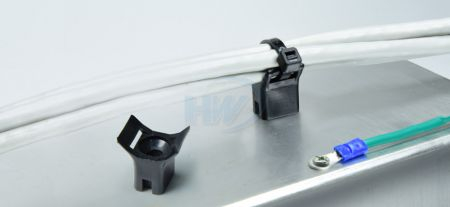 Cable Tie Mounts,Saddle Type,Polyamide,9.0mm Max. tie width,5.0mm Mounting Hole