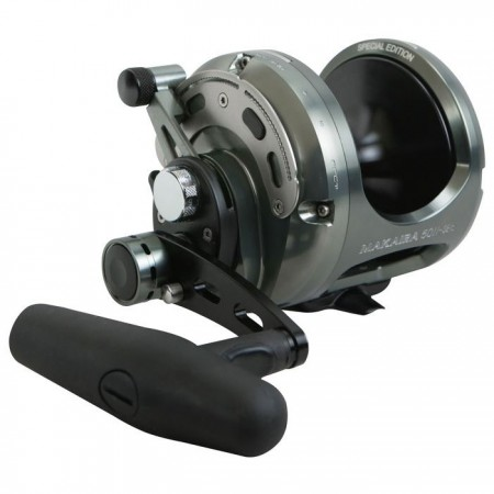 Makaira Special Edition Hebelbremsrolle - Okuma Makaira Special Edition Lever Drag Reel-Special edition gun smoke and black anodizing-Carbonite dual force drag system -Over sized handle and lower low speed gearing versus the original Makaira