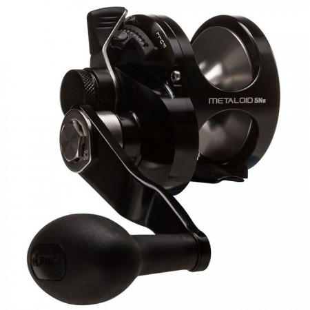 Metaloid Lever Drag Reel - Okuma Metaloid Lever Drag Reel-Available in both 2-speed or single speed versions-Cover the range from vertical jigging to live bait-Durable Ergo grip handle knobs