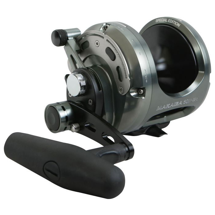 Reel Lever Drag Okuma Makaira Edición Especial - Okuma Makaira Special Edition Lever Drag Reel-Special edition gun smoke and black anodizing-Carbonite dual force drag system -Over sized handle and lower low speed gearing versus the original Makaira