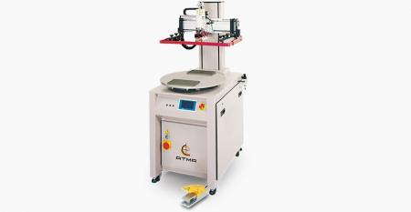 电动分度台平板网印机-电动分度台网印机,压缩空气耗电量低,屏幕垂直上下,定位精确,数字触摸屏控制面板。