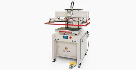 数字电动平板打印机(高级尺寸600x700mm) -可在HMI触摸屏控制面板上预设参数,实现数字化生产管理,最大限度减少气压消耗,屏幕垂直上下快速精确定位。