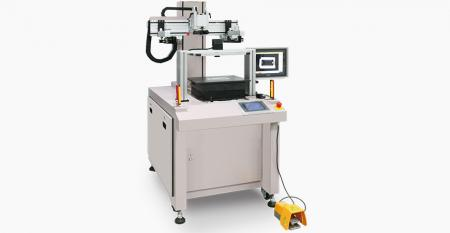 Single CCD centered registering screen printer for cover lens - Used single CCD camera to detect contour of cover lens for registering, which is without registration mark on lens, accuracy attains ±5µm to carry out the centered printing accuracy