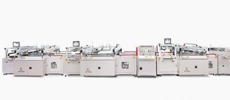 Lödmask skärmskrivare - Tre typer av skärmskrivare som halvautomatisk, tvillingbord, helautomatisk utskriftslinje. Efter utskrift (leverans till torktumlare eller torkställ), används för att skriva ut direkt legend, plug-via, lödmask, ledande elektrod (Siler eller Carbon) / kretsar på styvt och flexibelt material PCB-panel.