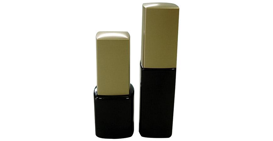 GH23P 631BB - GH23P 602BB: Bouteille de vernis gel UV en verre carré de 7 ml et 10 ml avec brosse à capuchon carré doré