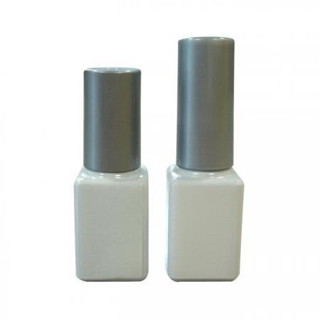 GH08 632WW – GH03 632WW : Flacon blanc de 7 ml avec bouchon et pinceau