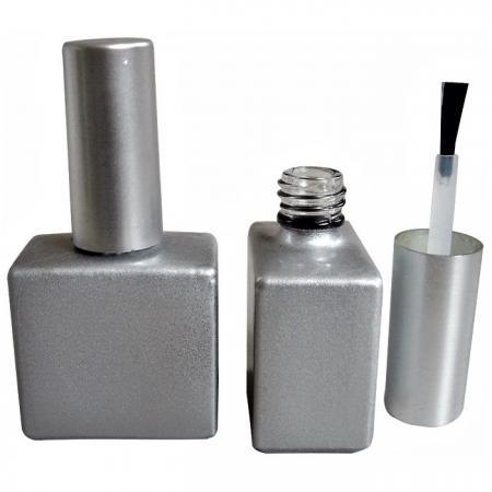 GH03P 651BS: Botella de plata mate de 15 ml con tapa recubierta de plata mate