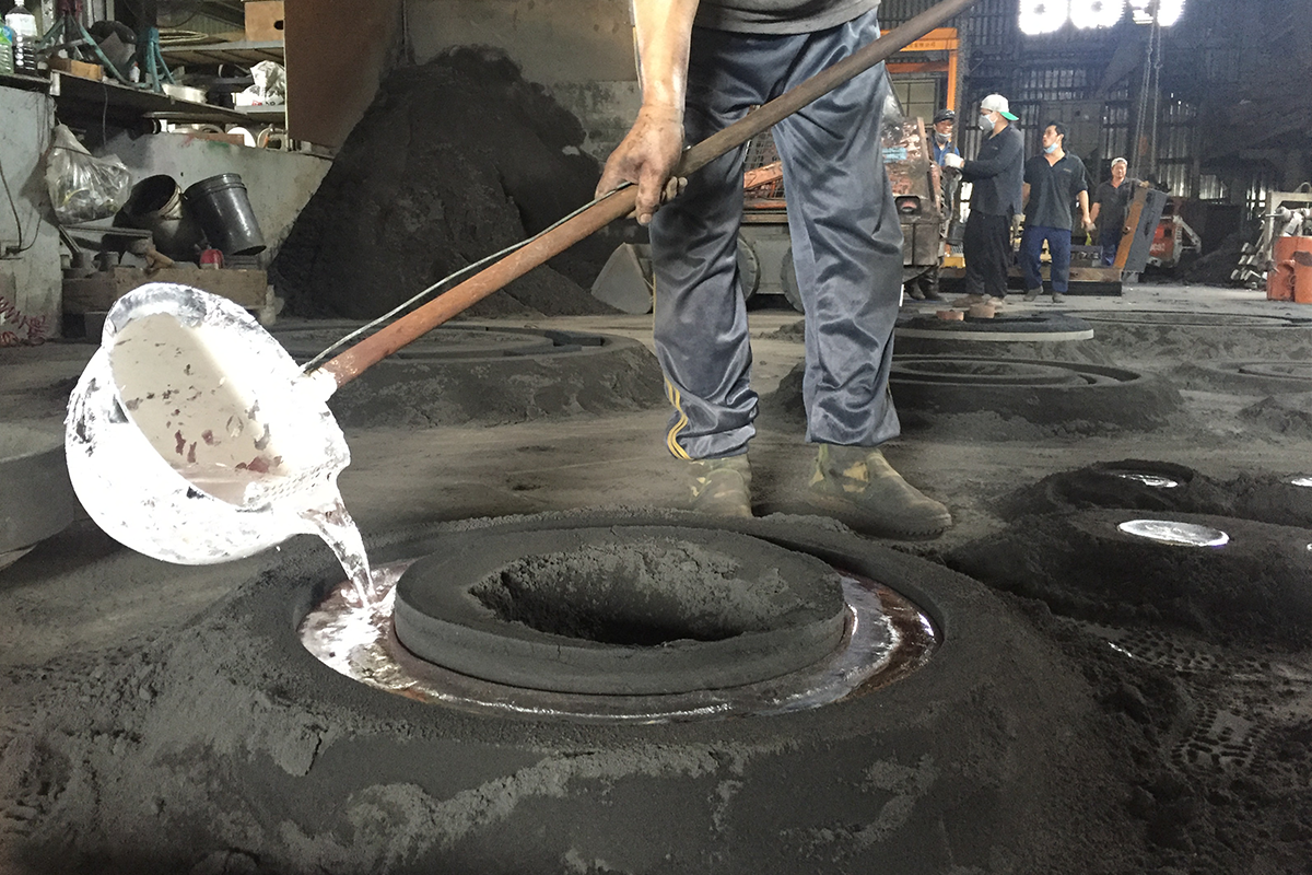 Pekerjaan pengecoran pasir profesional dari paduan Aluminium