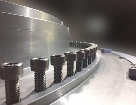 360stupňové šroubové nastavitelné výstupy pro jemné doladění tloušťky