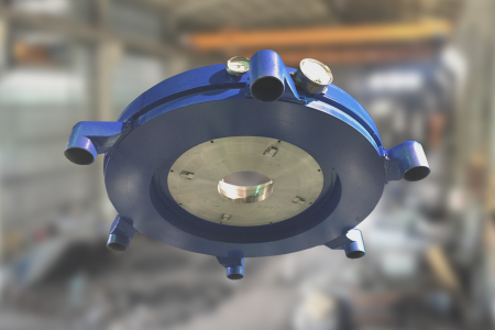 Pohled zespodu na vzduchový kroužek - snadné připojení vzduchových hadic