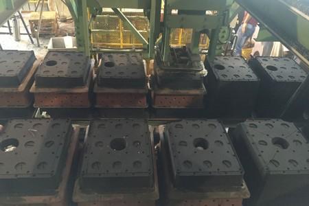 Préparation automatique du moule avec différentes conceptions de pièces.