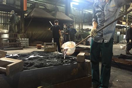 Furan resin sand casting of aluminum alloy