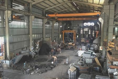 みょうばん砂鋳造鋳物工場