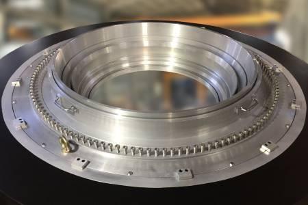 Vysoce výkonný výstupní design s přesným laděním šroubů, efektivně zlepšující kvalitu a kvantitu.