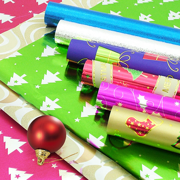 クリスマスとすべての機会のギフト包装紙。ギフト包装紙にはさまざまな種類があります。