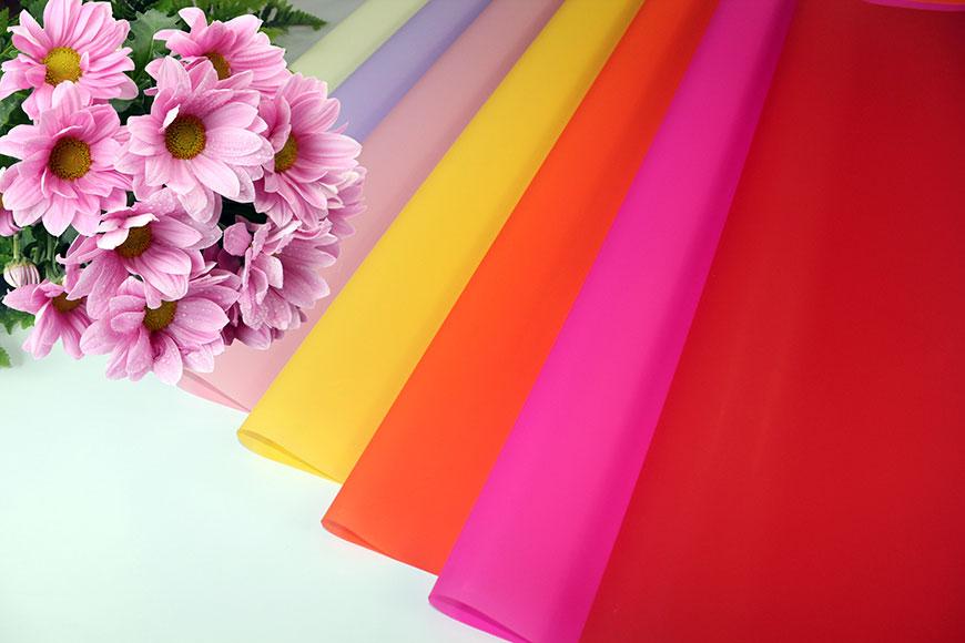 Непрозорий кольоровий друкований целофановий BOPP, упаковка квітів у рулоні та аркуші